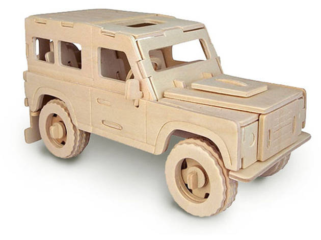 Quay Land Rover Woodcraft Construction Kit.